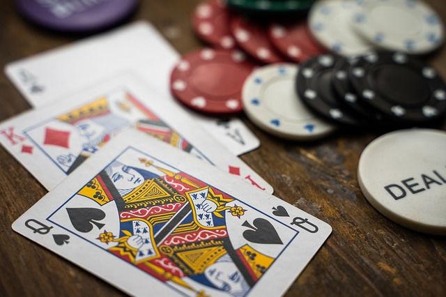 Karten beim Poker - eine Analogie zum Strafverfahren